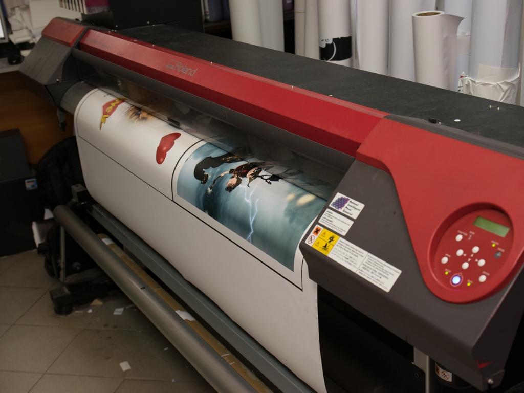 УФ-печать на виниловой пленке – удачная экономия для рекламных компаний