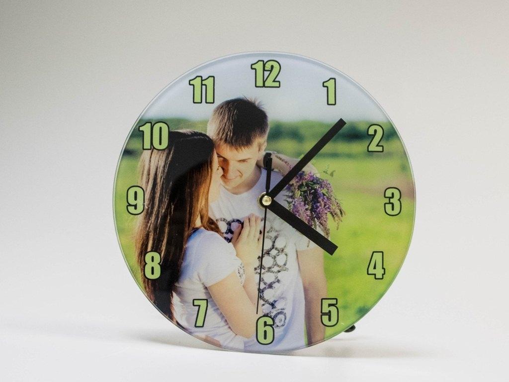 настенные часы с фотографией на заказ помогут